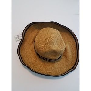 Kooringal Accessories - NWT Kooringal Natural Floppy Sun Hat d522bd6c9c33